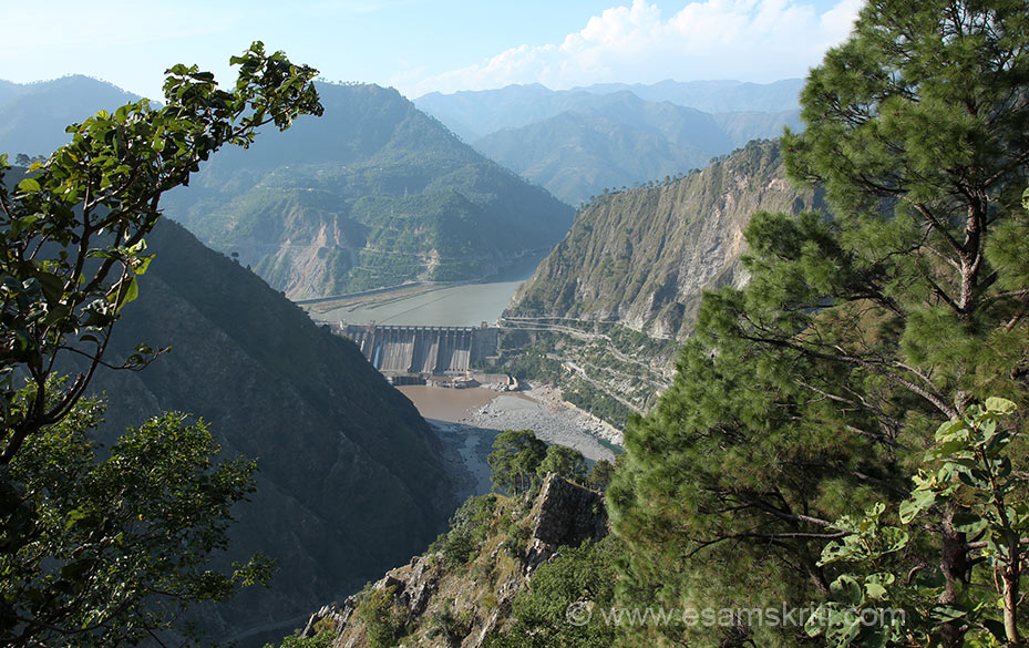"This is Salal Dam somewhere enroute on the banks of the river Chenab. 25 kms from Katra is Dera Baba Banda after the brave Rajput, Banda Bahadur. Nishan Sahib is 48 feet high. We missed going there, if you have pics please mail to <a href=""mailto:suryacon@gmail.com"" target=""_blank"">suryacon@gmail.com</a> with 1-2 line captions and name of photographer. Baba Banda Bairagi was the favourite soldier of Guru Govind Singh. B92"