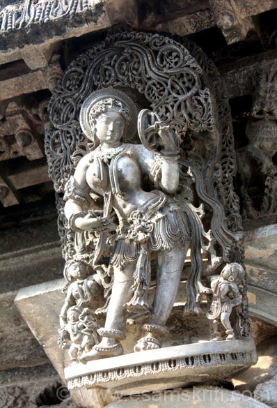 This section has bracketed figures called Madanikas, inside temple pics, images of Lord Vishnu and smaller temples. Part one ie Belur Temples has external temple pics. We start with showing 