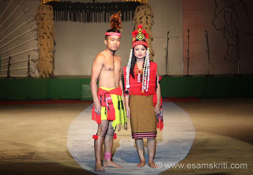Cultural programs on day 6 were by artists from Chandel district of Manipur. It started with a Fashion Show where young boys and girls sported traditional outfits. Most
