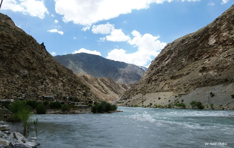 Drass and Suru River confluence before Kargil - Suru river on the right coming from POK.