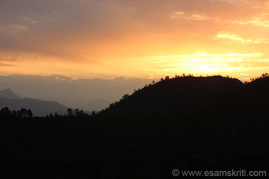 Look at the skyline. If you want to relax, enjoy a view of the Himalayan Peaks Chaukori is a great place, suggest spend 2 days. Make it a base to visit Patal Bhubneshwar (app 2 hours).
