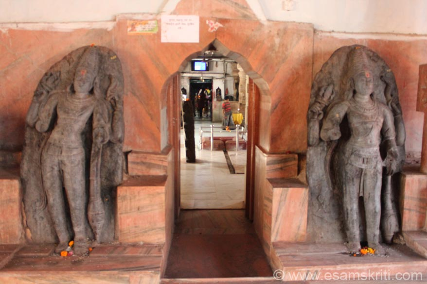 The temple is divided into 4 parts - Garbh Griha, Maha Mandap, Mukhya Mandap and Sabha Mandap. At the entrance to the Maha Mandap are these stone images.
