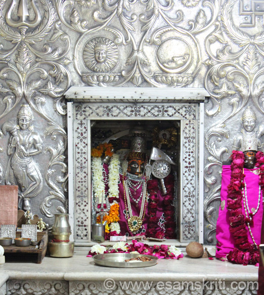 Image of Sachiya Mata. The temple deity is Goddess Durga in her Mahishasura Mardini Avtar (the killer of Demon Mahisha). She is popularly called Sachchidhaya. Newly wedded couples come for happy conjugal life whereas the first ceremonial head shaving of a child is also held here.