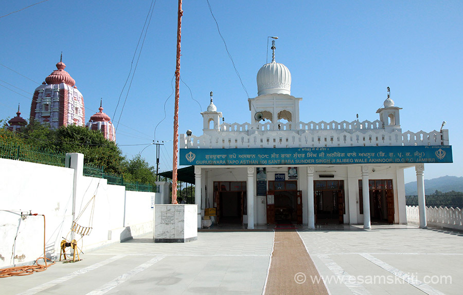 View of the Sant Baba Sunder Singhji Alibeg Wale Gurudwara on the banks of the river Chenab.