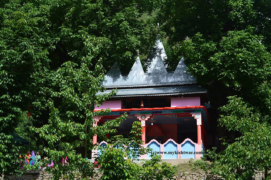 Shiv Temple at Sueed Dachhan, on our way to Brahma Peaks.