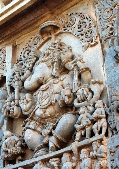 BALUMARI GANESHA. When Ganesha``s trunk on right side indicates that Ganesha is very angry. Such Ganeshas are not worshipped at home.