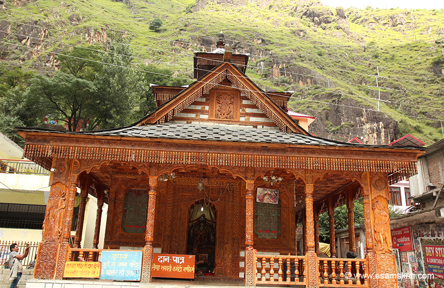 "There are other popular temples in Manikaran too. This one is Naina Bhagvati Mandir. It is made of wood, temple details in next pic. ""The reflection, glow and energy of Shivji third 