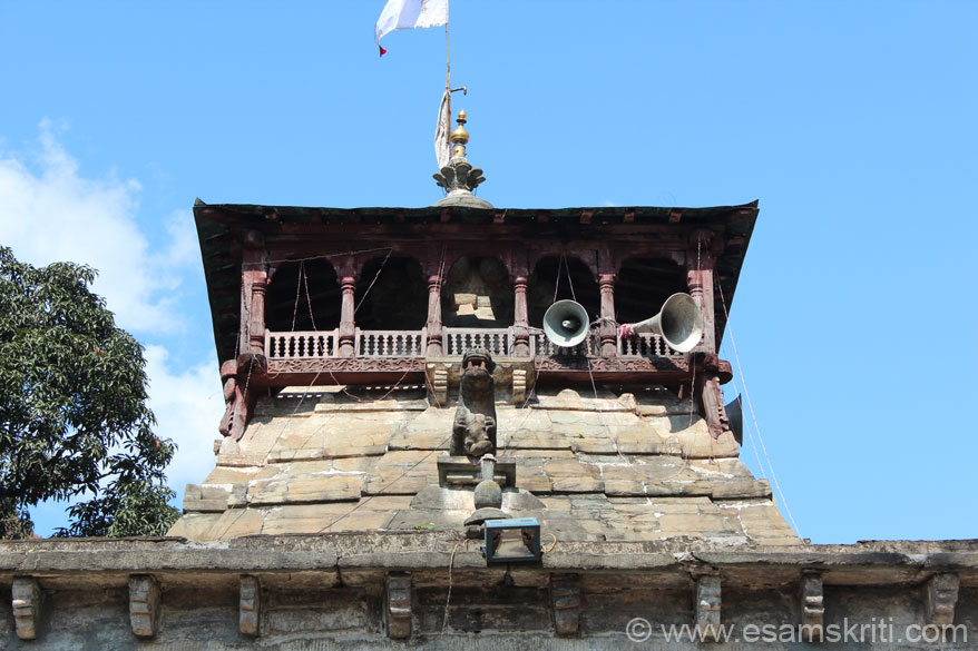 Close up of temple - top portion. In centre is the Bagh or Tiger.