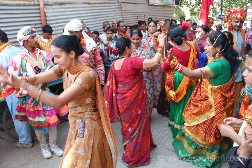 Ladies dancing to music. Note the lady in salwar kameez on left of pic. Has kept her small pouch round her neck and dancing away happily. The dancing was infectious. I nearly began
