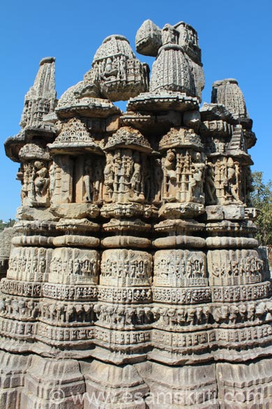 A vertical pic of side of the temple. Note how upper portions of temple stone are placed. Temples are in many parts of Dwarahat. We visited just two since was tired after the trek to Pandukholi