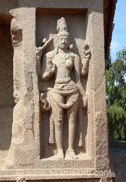 This image is of Ardhanarishwara, a combination of Siva and Parvati.
