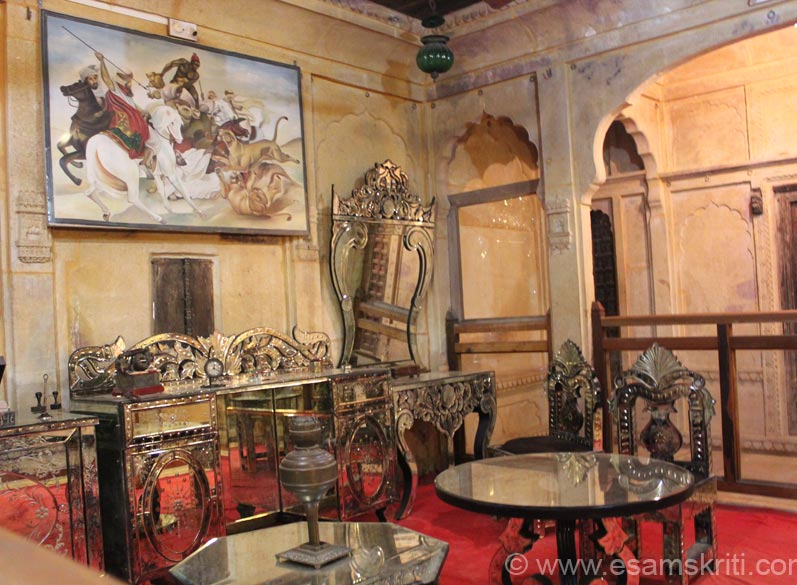 This is like modern day hall. Notice the wall painting. This haveli is so well maintained that one does not grude paying a entrance fee including a separate fee for clicking pictures.