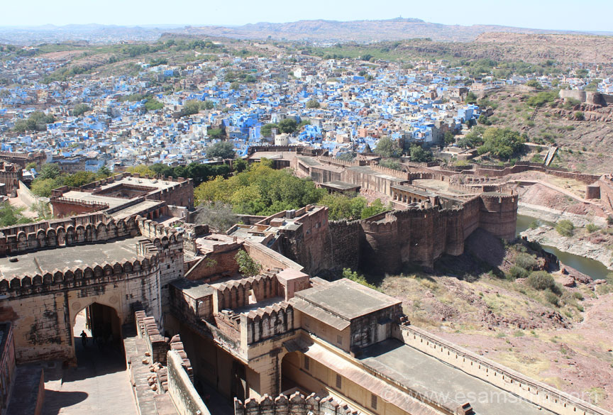 Once the car drops you can take a lift to the palace areas or walk up. I took the lift - you enter a large open area took this pic from there. Left of pic u see entrance for those who walk up.