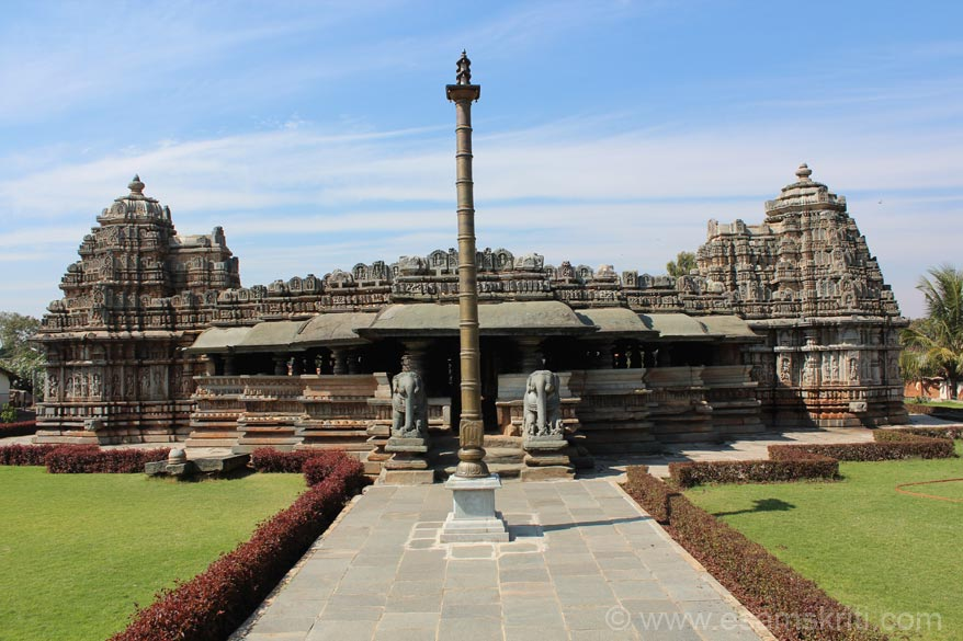 After crossing the entrance mantapa u enter a garden in which is the main temple. The temple has 104 pillars and 3 gopurams of which you see two.