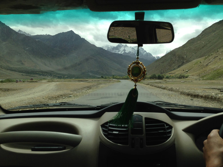 Onward from kargil. Our devout Muslim driver played songs of Roza and Hajj, we were delighted to see the similarity of the tunes to Hindi Bollywood films just as the Hindu devotional songs are. So we joined in singing the original flimy songs.