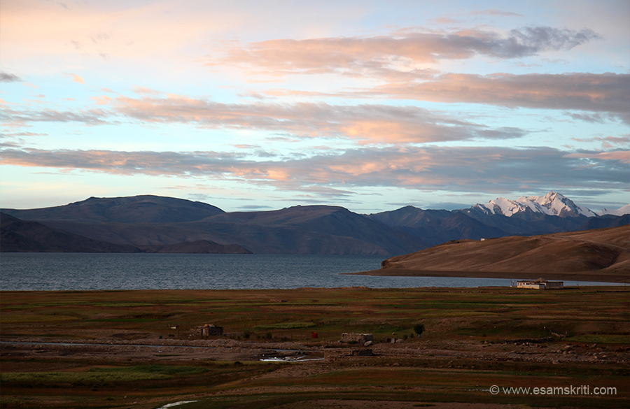A side view. Lake is close to the border with Tibet.
