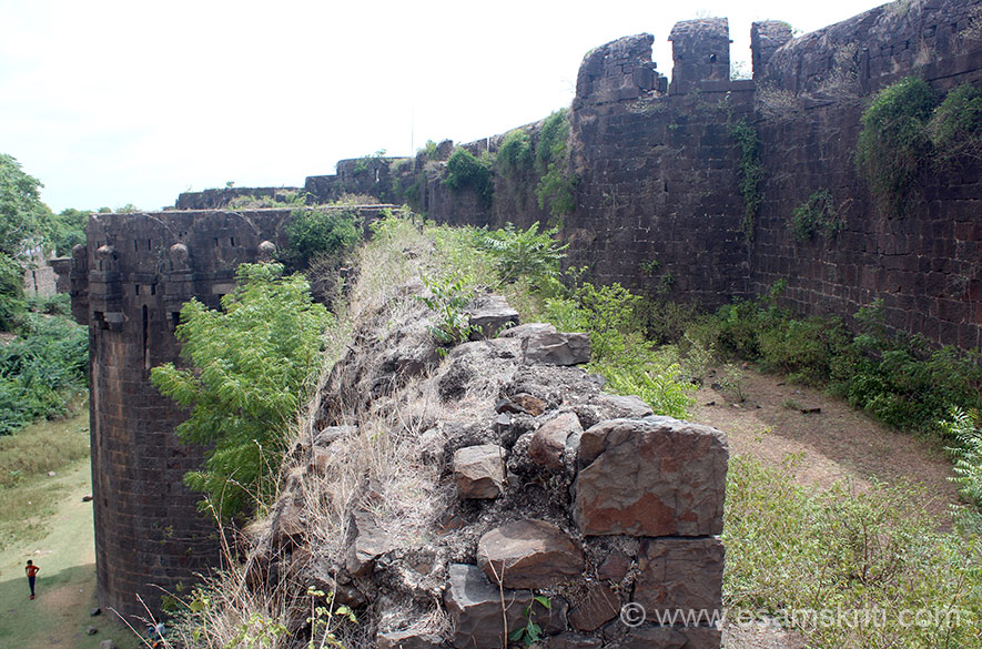 Right of pic is fortification one that you saw in previous pic. Second fortification is what you see in centre . Left where u see children playing cricket is where a moat existed (means filled with water to prevent enemy from entering fort).