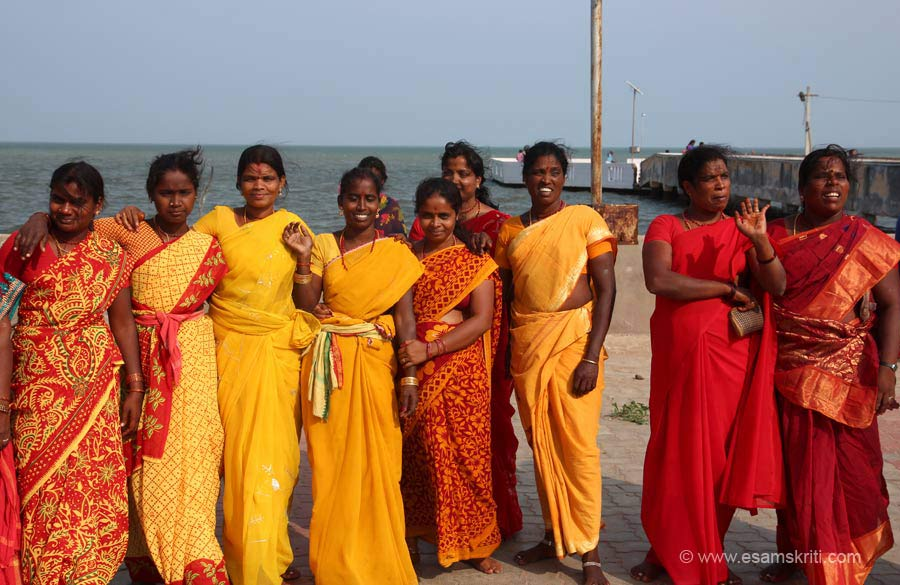 Group of ladies from within Tamil Nadu had come for darshan.