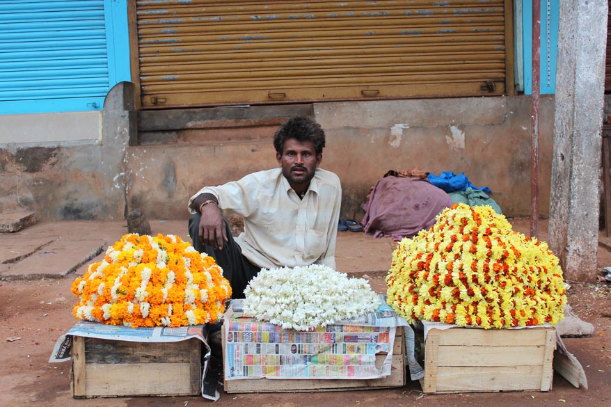 Just outside the Venkataraman temple saw this man selling flowers. Our temples provide indirect employment to so many people. Seeing me click this picture a Japanese woman bought a 