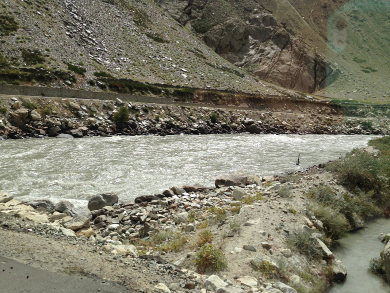 The SURU river flowed serenely along the road all the way to Parkachik.