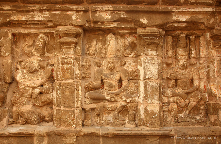 "Images in outer wall.  ""The foundation is made of granite while outer temples made of sandstone. """