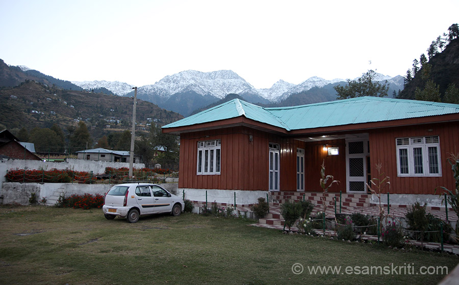 Old dormitory to stay was not good (in Oct 2014) and the new rooms were not fully ready. About 7 kms away a friend took us to the Dak Bungalow in Loran. It was 8 pm ish when we reached, very cold. Had dal chawal dinner and off to bed. Early morning view. Loved the place.