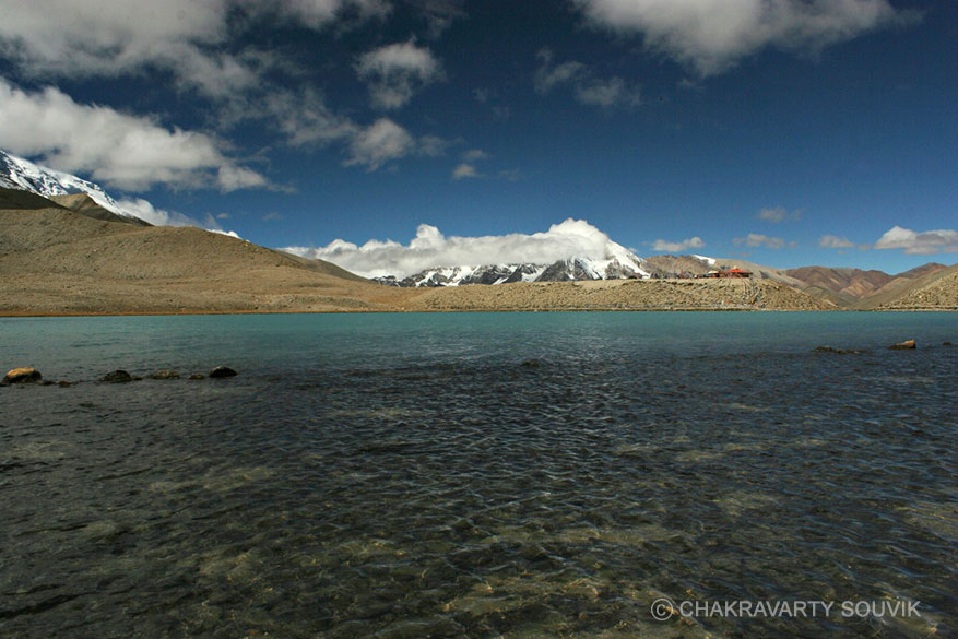 This is a very unusal angle of the lake. To take this pic I walked around the lake which, appears small, but is quite big. Along with two friends