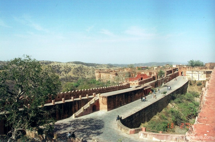 Another view of the fort. It is clean and well maintained.