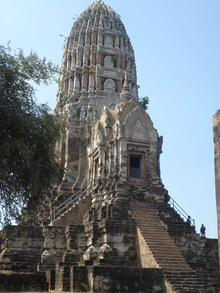 Buddha relics were enshrined in the main Chedi (principal Pagoda) that you see. Was made around 1374. High steps.
