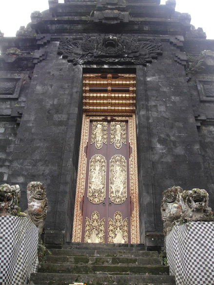Exquisite Balinese engravings seen as motifs on this door