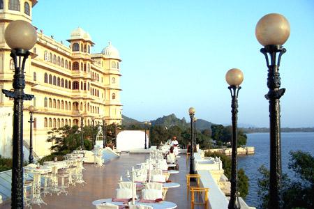 Exterior Fateh Prakash hotel