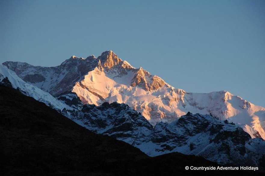 You see Kanchenjunga. If u are in Darjeeling drive for one hour to Tiger Point and see sunrise ie spectacular.