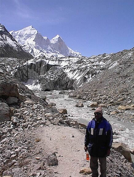 You see Gaumukh glacier with Bhagirathi peak in the background. To right of picture is Tapovan/Shivling. To left of picture is Nandanvan.