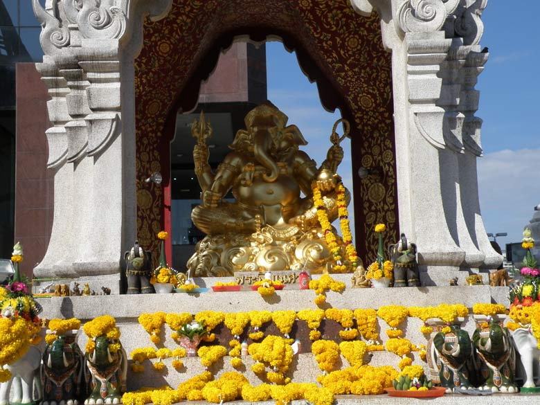 Next to Trimurthi shrine is a temple dedicated to Lord Ganesha. Saw Ganesha being worshipped across Thailand.
