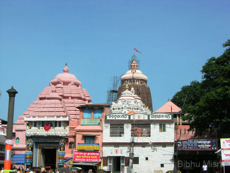 This is the main entrance to the Jagannath temple called Singhadwara (Lion Gate). The idols of Jagannath, Balaram and Subhadra are taken out of the temple through this gate before the Ratha Yatra. A magnificent sixteen-sided monolithic pillar known as the Arun stambha stands in front of the main gate. This pillar has an idol of Arun, the charioteer of the Sun God Surya, on its top.