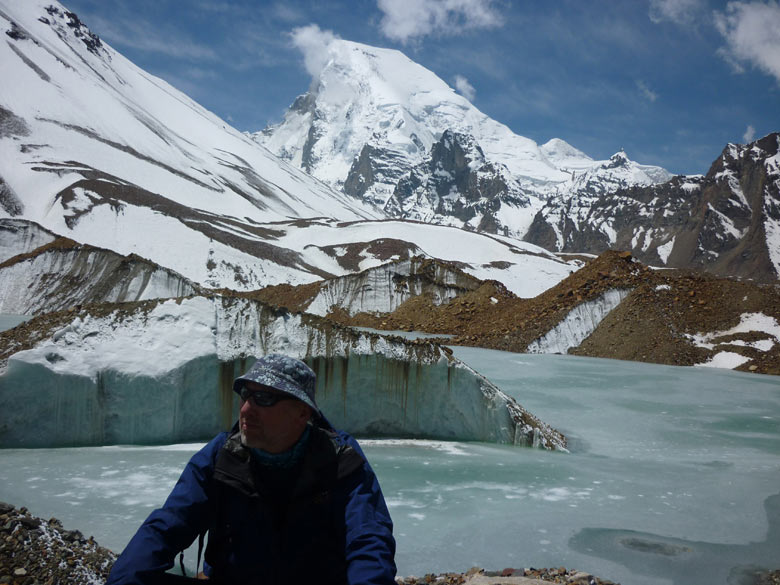 You see large glacial lake in Sweta glacier; and Mt. Satopanth at top ie about half way thru the trek. The Kalindikhal Trek takes you half way round Garwhal from the Bhagirathi to the Alaknanda Valley.