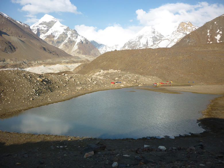 You see Vasuki Tal (lake) and camp. In short route is Gangotri, Nandavan, climb Vasukital Lake, climb Sweta glacier, cross Kalindhikhal Pass, descend Arawatal, Mana and Badrinath.