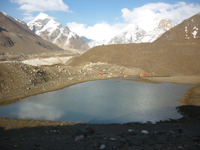 You see Vasuki Tal (lake) and camp. In short route is Gangotri, Nandavan, climb Vasukital Lake, climb Sweta glacier, cross Kalindhikhal Pass, descend Arawatal, Mana and Badrinath.