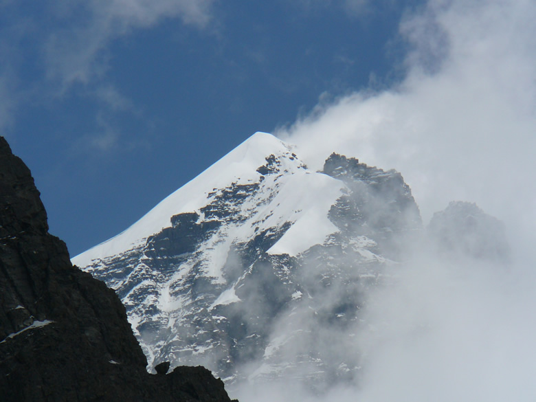 Manimahesh: the holy Kailash is located at an altitude of 5656 m. At the foothills is the Manimahesh lake height 4170 m. Mount Kailash is the abode of Lord Shiva and is in the Bharmour tribal valley of Chamba district. Sept is best time to go for the trek. You see Mani Mahesh Kailash.