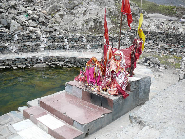 About one and a half kms short of Manimahesh Lake is Gauri Kund that you see in this picture. Women take a holy dip before proceeding to Manimahesh. Men take a holy dip in Shiva Krotri before proceeding to the holy lake.