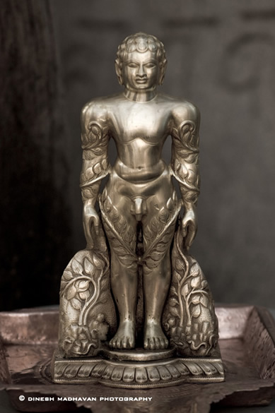 A miniature idol, made of eight metals, of Bhagavan Gommateshvara Bahubali.