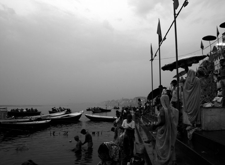 Early morning people come to the ghats to have a holy bath and conduct rituals for their deceased ones.