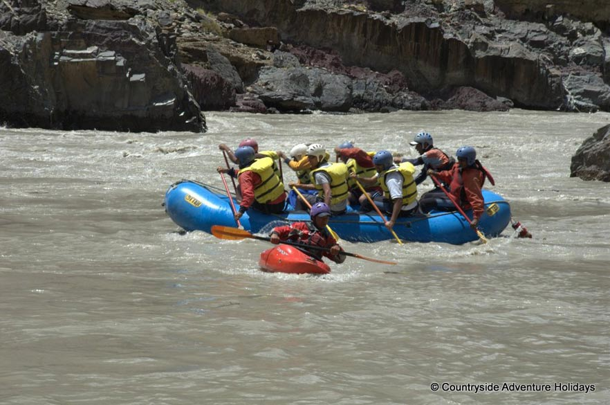 Always there is one safety kayaker with the rafts whom u see right in front of picture. Zanskar is also known as the `Land of White Copper`.