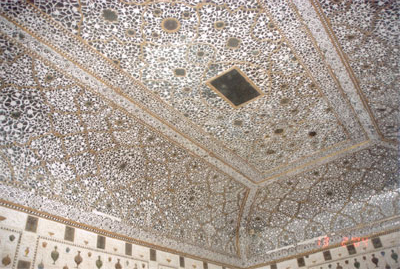Mirror ceiling of Jai Mandir.