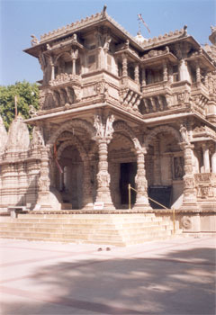 Another view of temple entrance.
