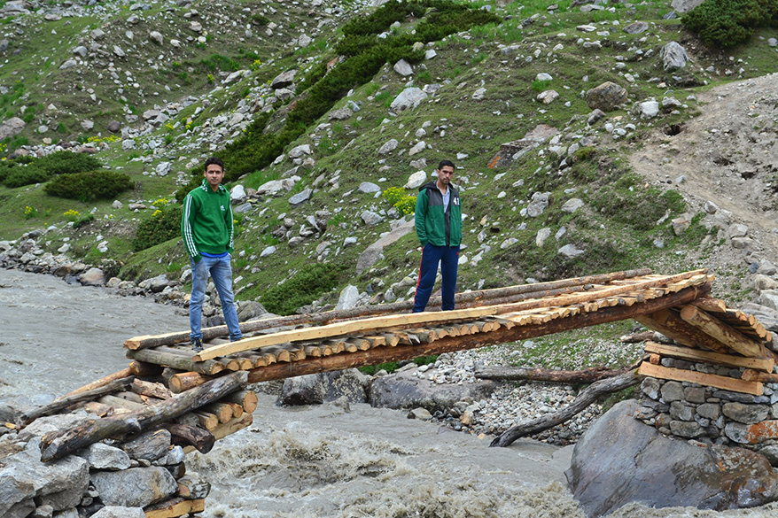 Took almost the whole day to reach Gugath. Next morning left for Kaikoot, 15 kms ahead where stands the temple of Hud Mata, a local deity. We crossed many wooden bridges like this enroute.