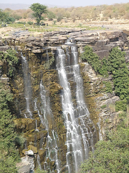 Bhimlat waterfall ie about 35kms from Bundi. Must see esp after the monsoons. Drive shows you the terrain of region.