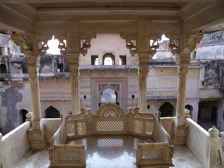 This is Raj Singhahasan or king``s throne. The hall where the throne is kept is called Ratan Daulat. Behind is the Hathiya Pol entrance.