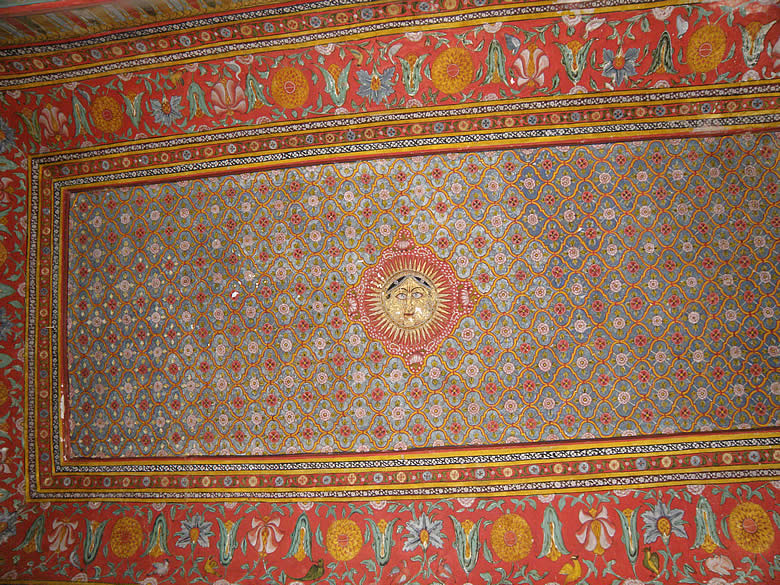 Decorative chat (roof) of the inner rooms in Chitrashala. In the centre is the Sun God where work done in gold. Bundi rulers were Chauhan Rajputs (Hada) and Suryavanshi. Clicked this by lying on the ground.