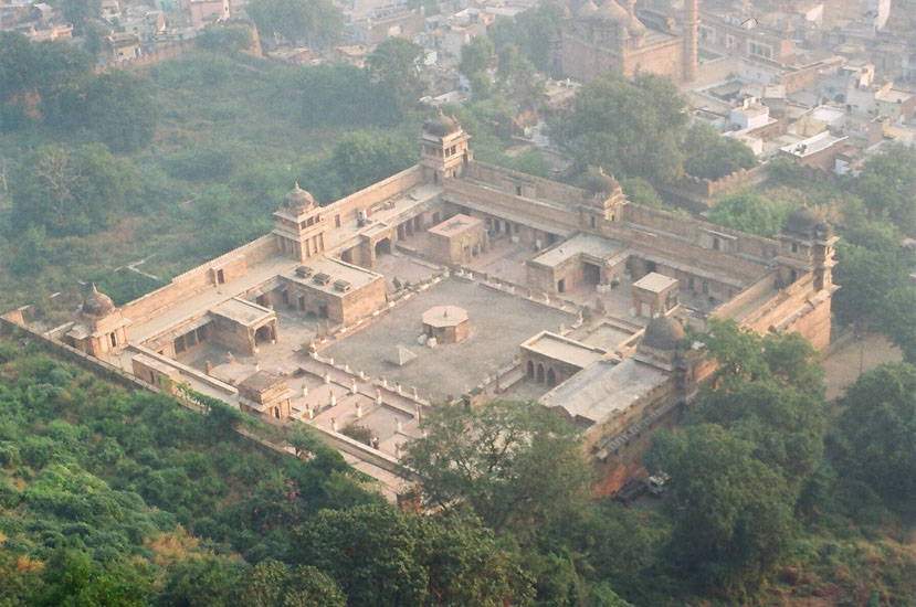 You see an overview of Gurjari Mahal that was clicked from top of the fort.